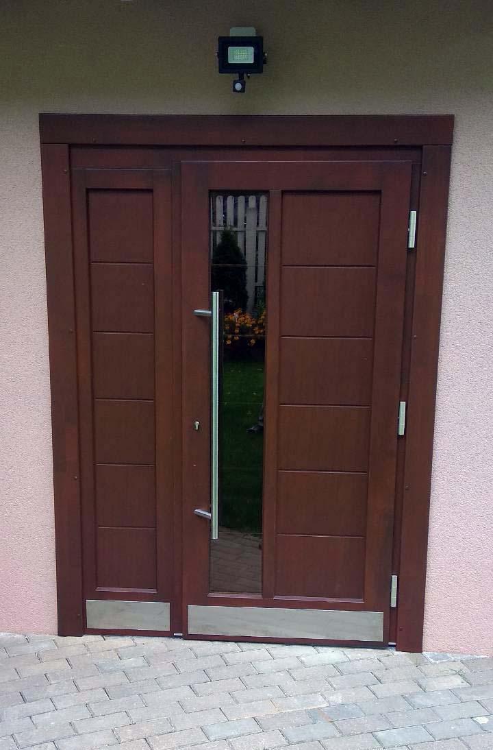 входная дверь из сосны цвет орех