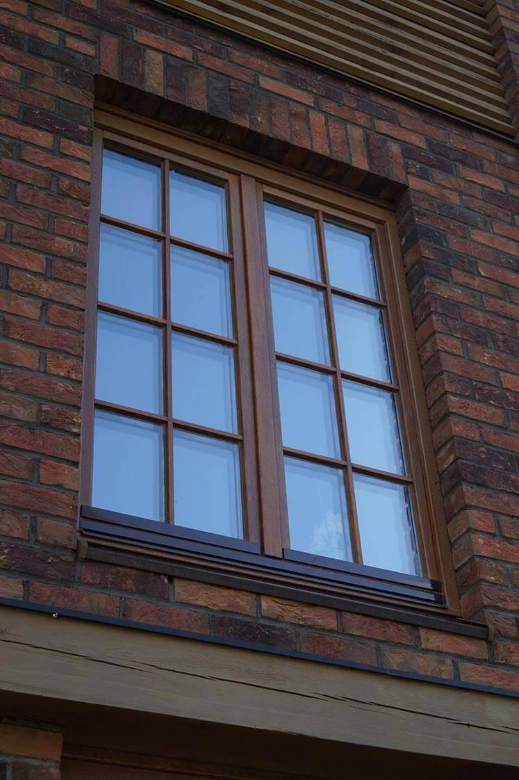 Дом в Колодищах с дубовыми окнами 10
