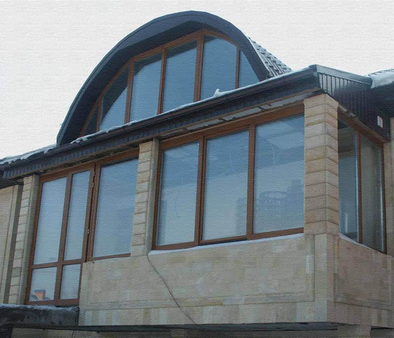 kottage-whis-wooden-windows