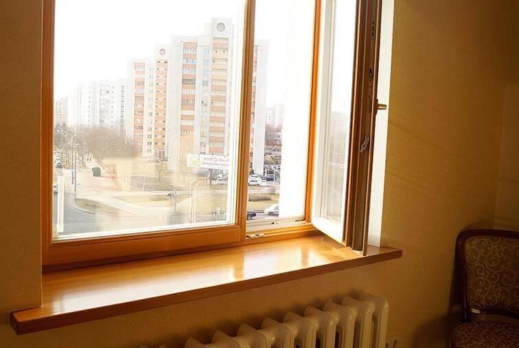 Окна из дерева в квартире на Машерова 4