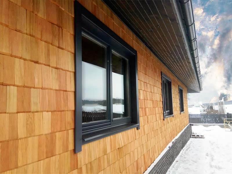 гладкие наличники и окна из сосны