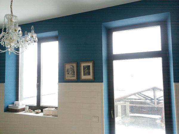 Дом с деревянными окнами в д.Тарасово вид изнутри